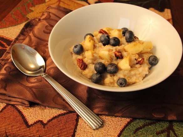 Blueberry Banana Oatmeal with Pecans