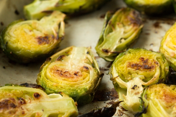 Roasted-Brussel-Sprouts-with-Garlic-and-Lemon-7