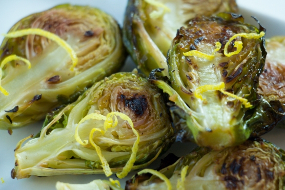 Roasted-Brussel-Sprouts-with-Garlic-and-Lemon-8